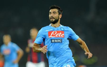 NAPLES, ITALY - AUGUST 25:  Tortajada Raul Albiol of Napoli in action during the Serie A match between SSC Napoli and Bologna Calcio at Stadio San Paolo on August 25, 2013 in Naples, Italy. (Photo by Francesco Pecoraro/Getty Images)