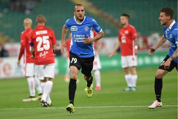 Gonzalez uff Novara