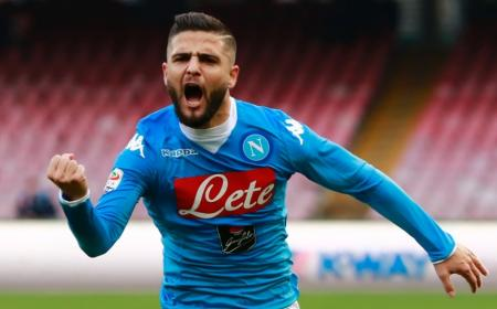 Napoli's Italian forward Lorenzo Insigne celebrates after scoring during the Italian Serie A football match SSC Napoli vs Empoli FC on January 31, 2016 at the San Paolo stadium in Naples. / AFP / CARLO HERMANNCARLO HERMANN/AFP/Getty Images