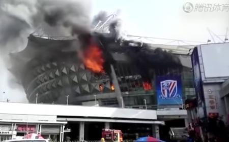 Stadio Shanghai Shenhua in fiamme