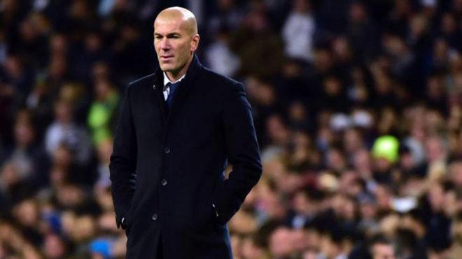 Zidane panchina Foto Marca