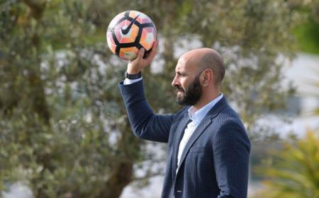 Monchi pallone Roma Twitter