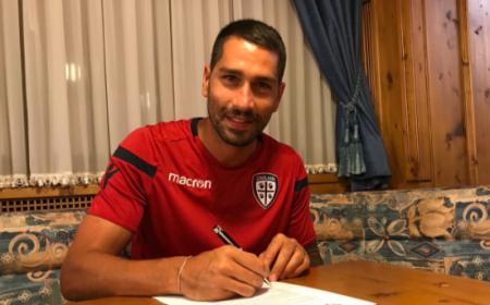 Borriello Marco firma rinnovo Cagliari Twitter