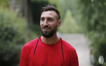 Donnarumma Antonio visite Milan Twitter