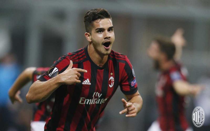 André Silva Twitter Milan
