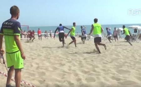 Crotone allenamento in spiaggia 1 sito ufficiale