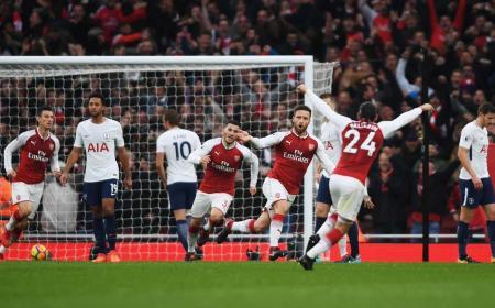 Mustagi gol vs Tottenham 17-18 Foto Arsenal Twitter