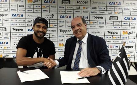 Aguirre Twitter Botafogo