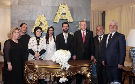 Arda Turan matrimonio Foto Hurriyet Dailly News