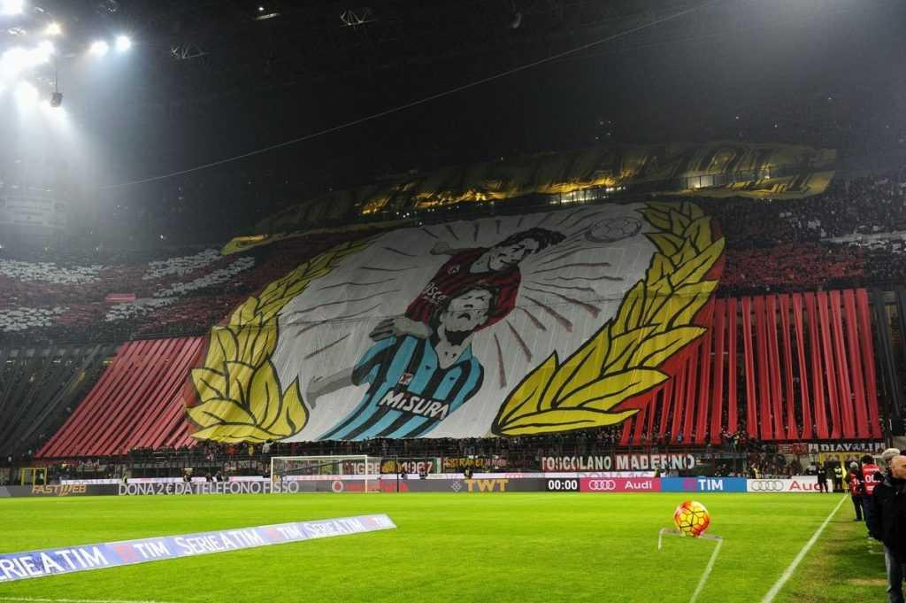 Milan-San-Siro-striscione-curva-sud-derby-Inter-1024x681